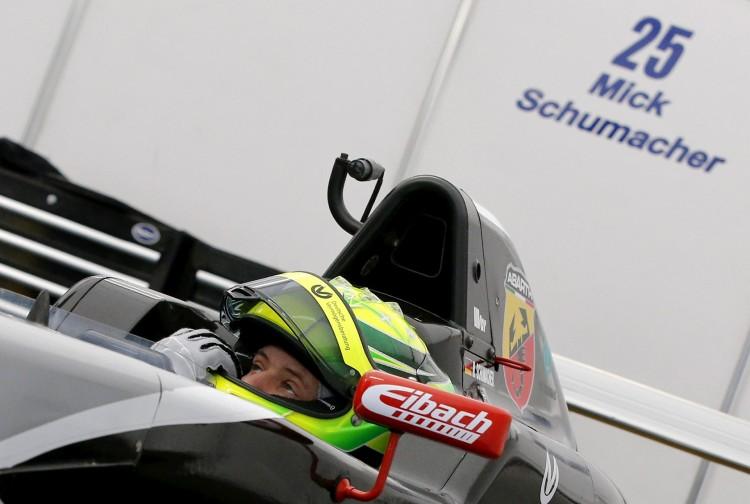 Mick Schumacher testa F-4 em Oschersleben, na Alemanha, em 2015 (Fabrizio Bensch/Reuters)