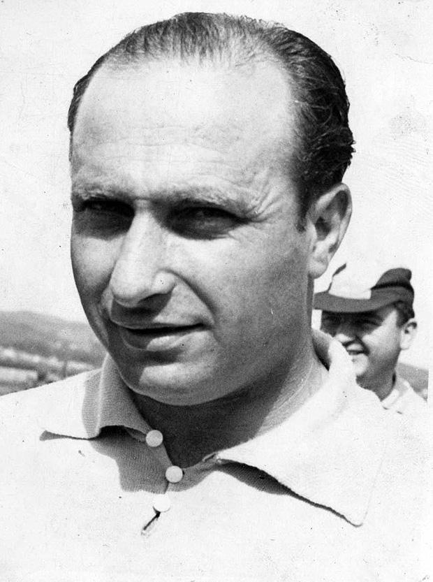 """Juan Manuel Fangio, nos anos 50; o pentacampeão seria um refém """"vip"""" da guerrilha cubana (Folhapress)"""