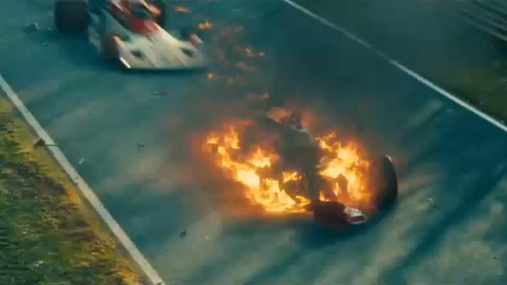 """A batida de Lauda no GP da Alemanha de 1976, reconstituída no filme """"Rush"""" (Divulgação)"""