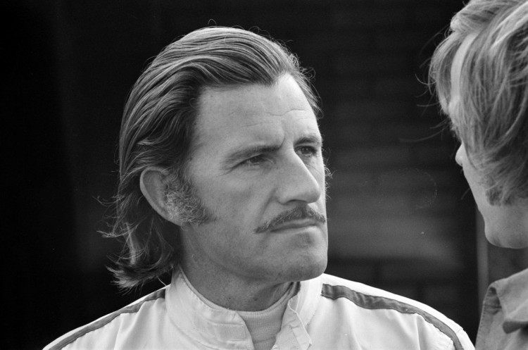 Graham Hill no GP da Holanda de 1971 (Wikimedia Commons)